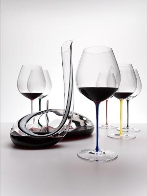 Riedel Fatto Mano Old World Pinot Noir Wine Glass